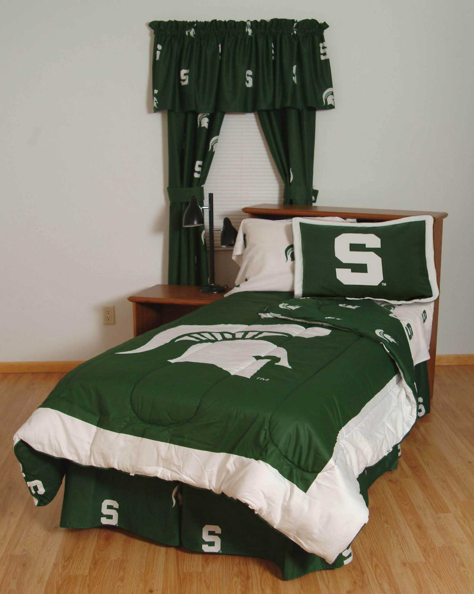 buy michigan state spartans bed in a bag with white team sheets twin. Black Bedroom Furniture Sets. Home Design Ideas